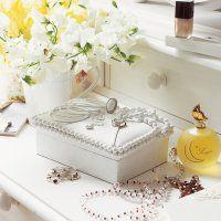 boîte avec bijoux peints en blanc - Marie Claire Idées