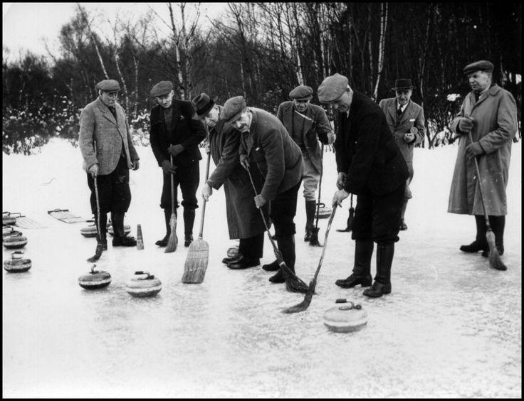 Curling, Central Otago. Intense concentration... http://www.centralotagonz.com/winter-sports