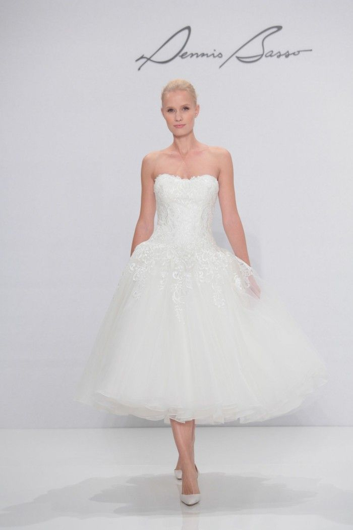 pupenhafte wedding dresses with lace