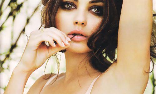 Mila Kunis by whitneynioshi, via Flickr