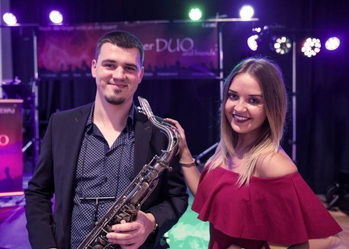 Münchner Duo and Friends - Profi Band aus München, Bayern, Moderator (Tamada), DJ, Saxophonist.  Hochzeitsband, Musikband für ihre moderne, internationale, deutsche und russische Hochzeit!