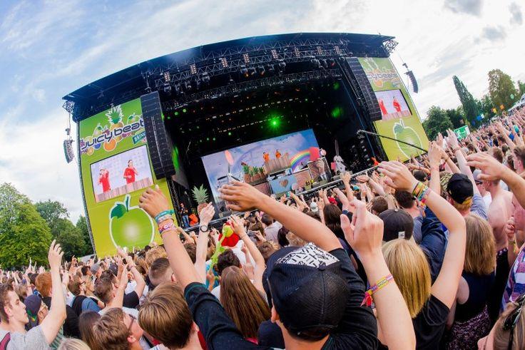 Die acht ersten Acts für das Juicy Beats Festival am 27. und 28. Juli 2018 im Westfalenpark stehen fest. Mit dabei sind die 257ers, Kontra K, Editors, RIN, Von Wegen Lisbeth, Drunken Masters, SXTN und Bukahara. Am Freitag, 27. Juli, und Samstag, 28. Juli 2018, verwandelt sich der Dortmunder Westfalenpark in den Schauplatz für das größte Festival für elektronische und alternative Popmusik in NRW.   #257ers #Bukahara #Dortmund #DrunkenMasters #Editors #Festival #Juicybea