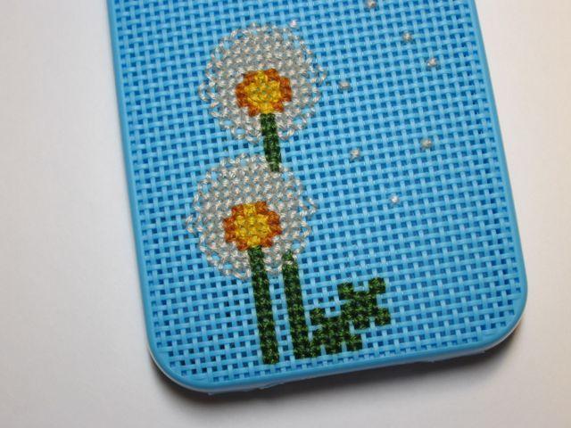 Dandelion iPhone Case Cross-Stitch Pattern | The Zen of Making