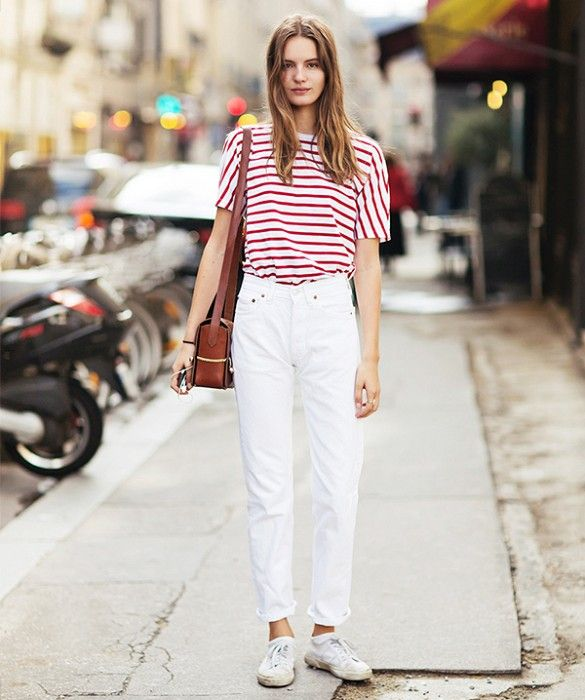 High waisted jeans white tee