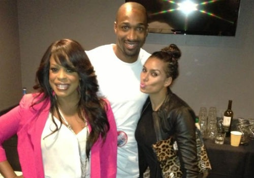 """NieNiecy Nash, Gilbert Arenas and Laura Govan pose together for a photo op. Laura wrote: """"Thank you @NiecyNash for ur kindness It was Sooo nice meeting you Xoxo."""""""