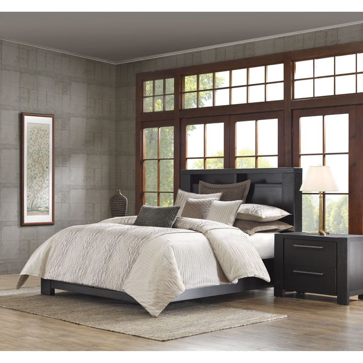 The Eclipse bed will add a modern touch of style to your room. Intricate metallic embroidery draws the eyes to the center while the pleated sides and textured fabric adds dimension on a soft taupe ground.