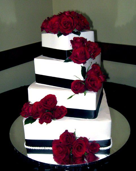 burgundy black and white wedding cake 732 best images about white and black wedding theme on 12234