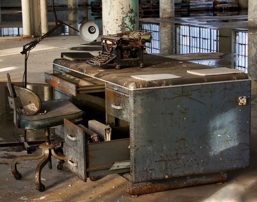 well-worm metal shop desk.....I have this exact desk that's chipping its white paint :)