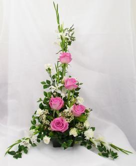 church wedding flower arrangement symmetrical arrangement 01 this arrangement is suitable to give as a
