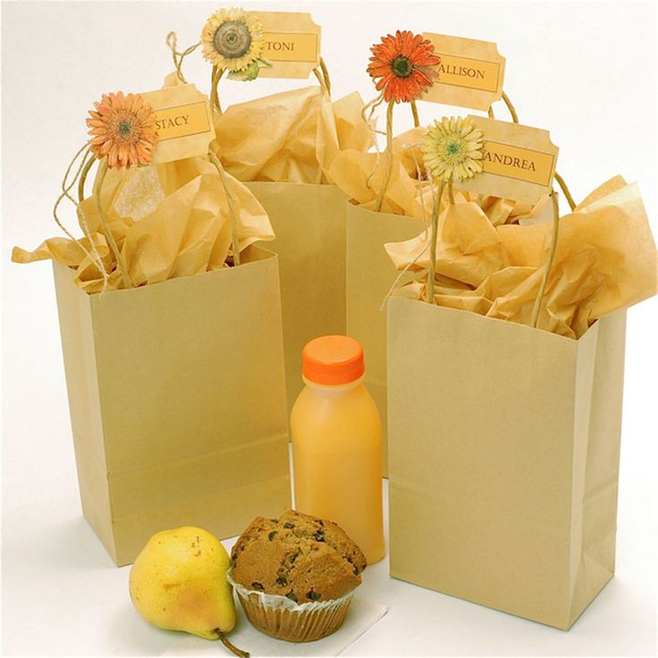 What a wonderful idea for hosting a breakfast meeting or entertaining overnight guests. The adorable little bags hold everything needed for a continental breakfast.