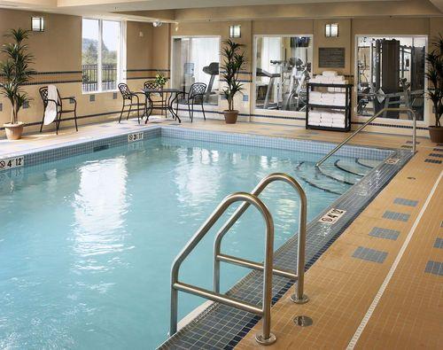 Holiday Inn Express & Suites Huntsville - Indoor Heated Swimming Pool