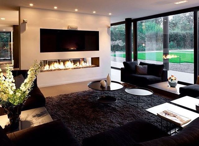 WEBSTA @ roomandroom_design - #fireplace #gold#çerçeve #ev#black#siyah #decor #evdekorasyon #elegant #elegantinteriors #home #house #homedecor #homedesign #interior #maison #maisoninterior #mirror #ayna#white #pillow#luxe #lüks #luxury#acsesories #aksesuar #roomandroom