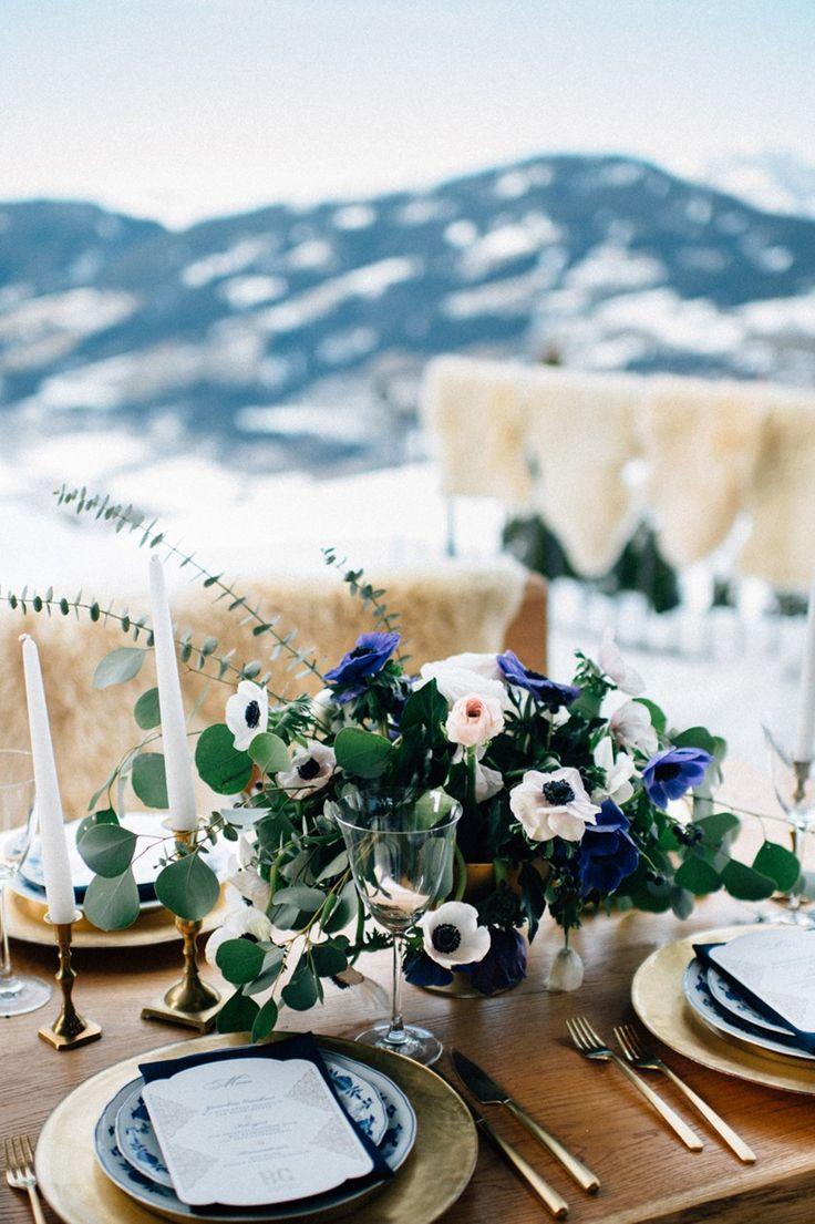 Gold & Navy Winter Wedding Inspiration