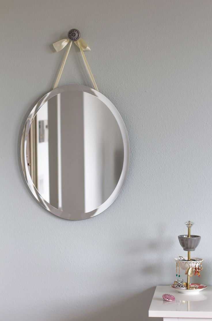 Best 25 mirror hanging ideas on pinterest half bath for Hang photos from wire