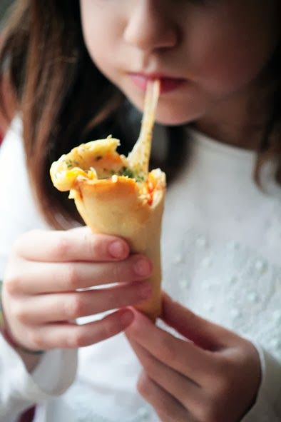 Conos de pizza. Recetas para hacer con niños.  Cocinar con niños. CharHadas.com