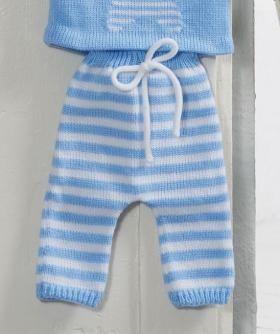 Чудесные полосатые штанишки спицами для малыша, идущие в комплект к полосатой шапочке. Модель вяжется полосатым узором от штанин. По желанию...