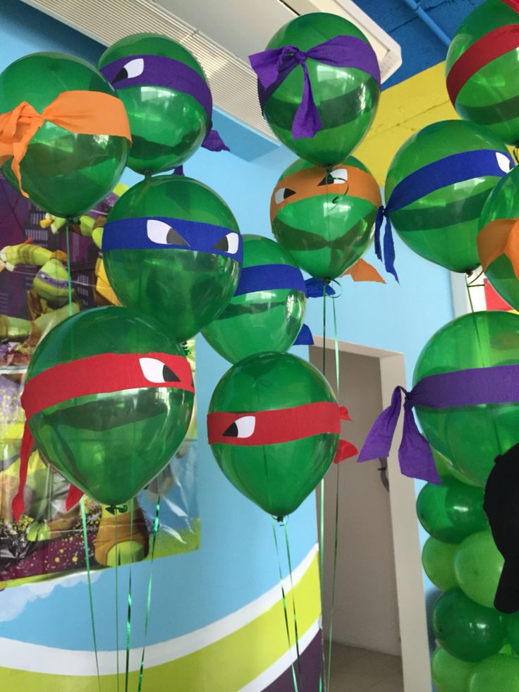 Tenage mutant ninja Turtles Center tables, Tenage mutant ninja Turtles helium balloons, tortugas ninja centros de mesa, ideas para decorar fiestas de tortugas ninja