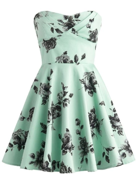 So cute! Vintage Rose Dress Mint