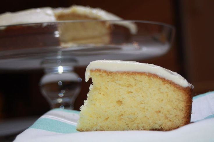 This Vanilla Plain cake is so easy it's a little ridiculous! Simply put everything into your mixing jug and mix - that's it!! Enjoy x