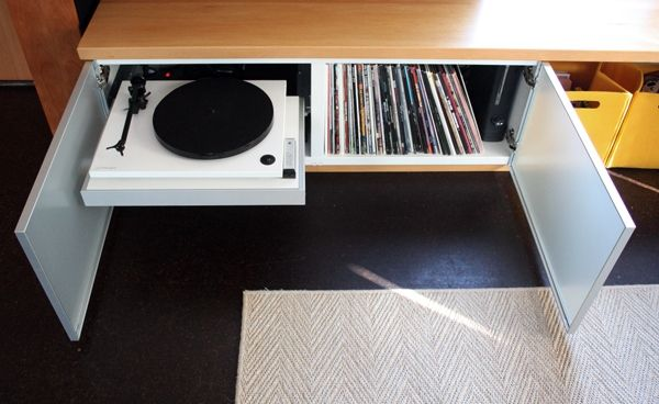 Cozy record player cabinet ikea record storage ideas for Ikea lp storage