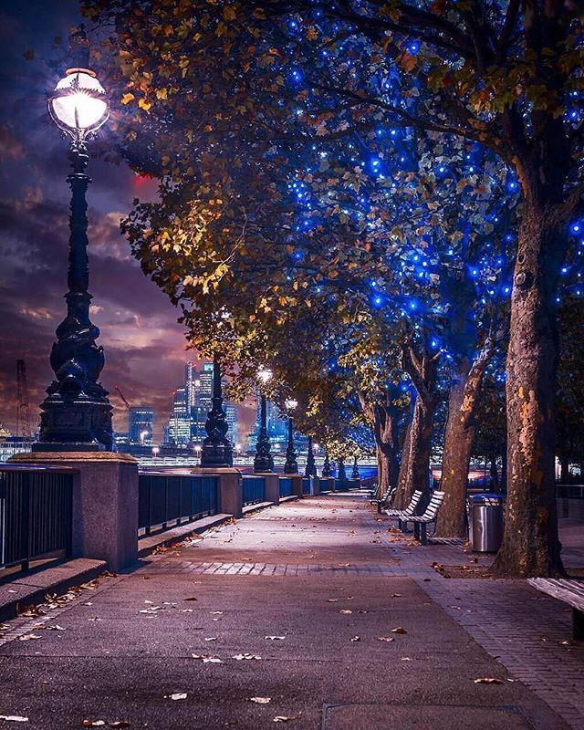 Night Time Ambience London Uk Photo By Believe In Moment Vacation Trips Instagram Landscape Photography