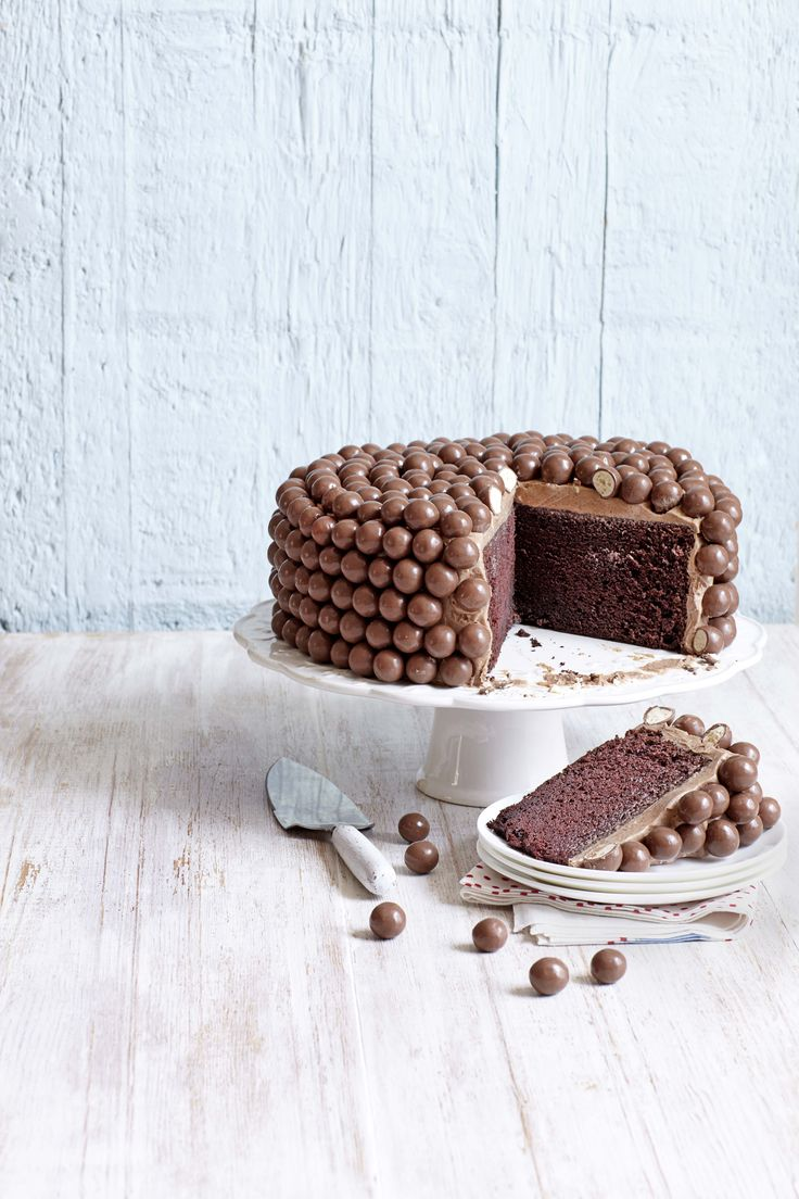 Maltesers Chocolate Chiffon Cake - Lulu's Notes
