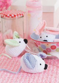 PDF free pattern for lil mices, or just one mouse if you want. Lovely