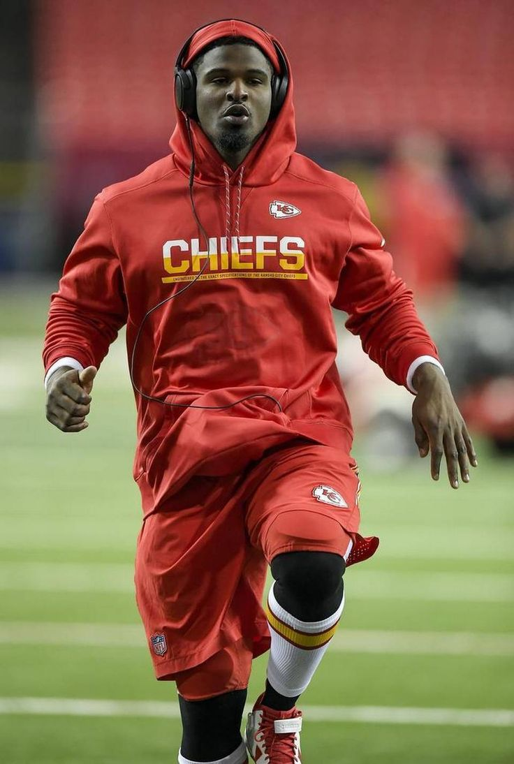 Kansas City Chiefs outside linebacker Dee Ford 55 is on the