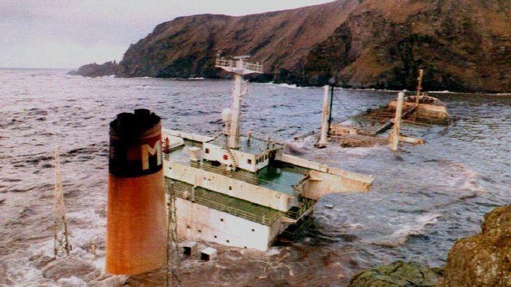 On 5 January 1993 an oil tanker ran aground off Shetland spilling 85,000 tonnes of crude oil.