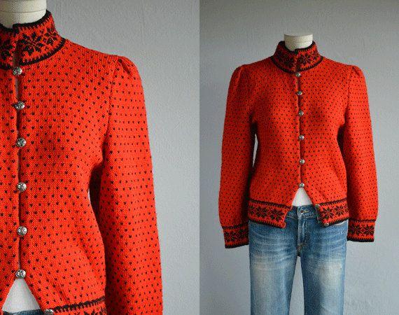 Label: Norsk Husflid Hand Knitted in Norway 100% Pure Virgin Wool