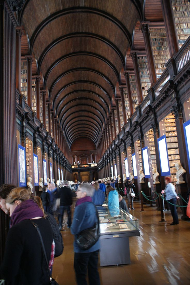 Trinity College Old Library & The Book of Kells Exhibition i Dublin