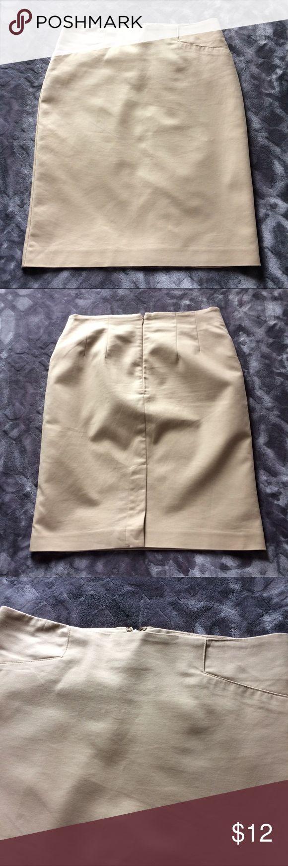 Women's khaki pencil skirt Classic khaki pencil skirt. Worn only a few times. Good condition. VanHeusen Skirts Pencil