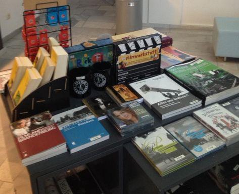 In guter Nachbarschaft ... unser EDE UND UNKU-Hörbuch im Museumsshop des Filmmuseums Potsdam!