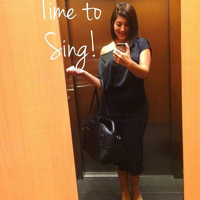 🇦🇺Gig ready ✌🏽 @runwayroom Thanks for styling my hair @benetton Dress purchased in Sicily  @boulevardkew Reception venue  #melbourne #melbournelifelovetravel #wedding #gig #timetosing #weddingsinger #vocalist #singer #music #instasoul #instagood #instamusic #instasinger #love #joy #bliss #bride #groom #jazz #soul #motown #funk #lovewhatido #instawedding #melbournesinger #melbourneweddingsinger #showcase #lovetosing