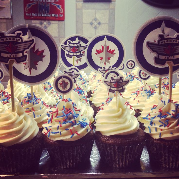 Winnipeg Jets cupcakes