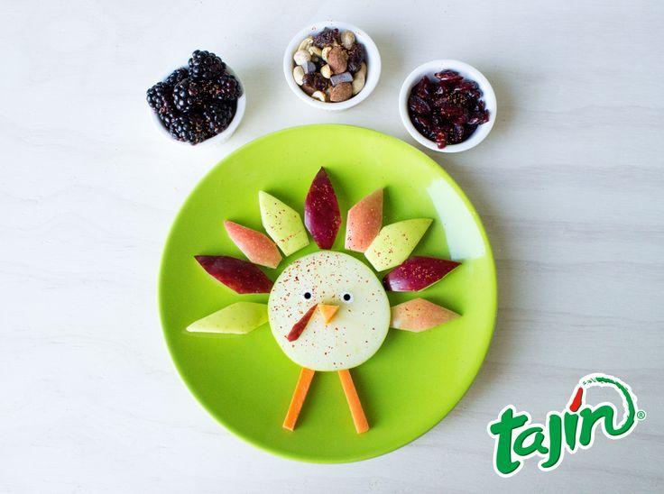 Who wouldn't want to eat one of these cuties? #fruit #turkey #art #Tajin/Tierno #pavo de #frutas #acciondegracias