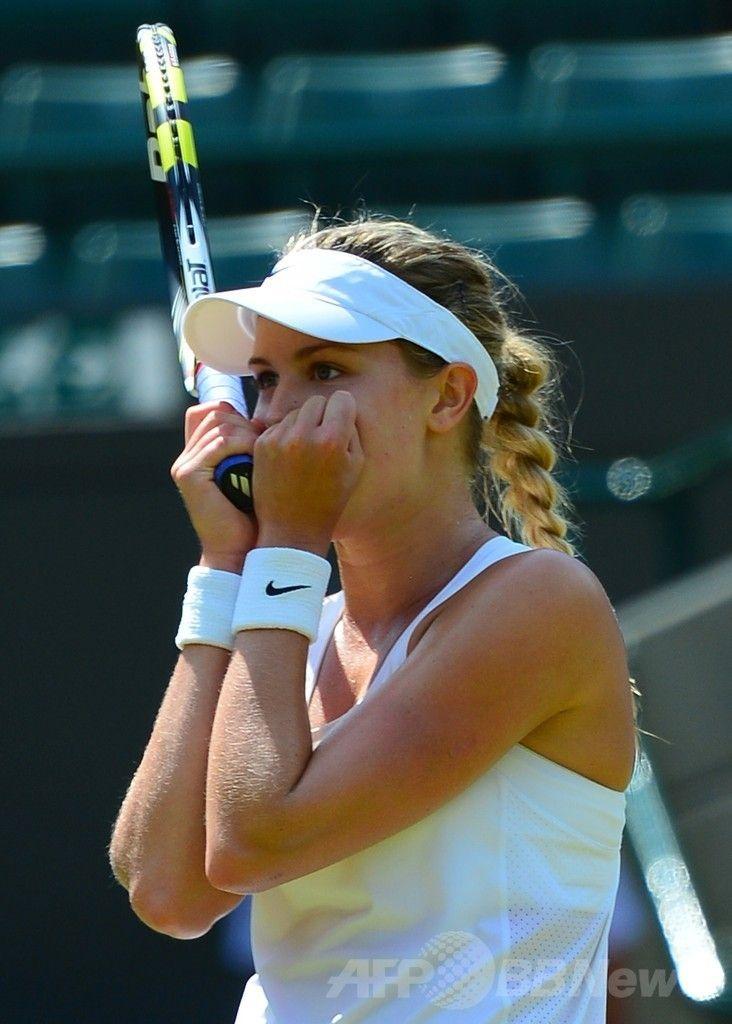 テニス、ウィンブルドン選手権(The Championships Wimbledon 2014)女子シングルス準々決勝。試合に勝利し歓喜するユージェニー・ブシャール(Eugenie Bouchard、2014年7月2日撮影)。(c)AFP/CARL COURT ▼3Jul2014AFP|ブシャールが自身初のウィンブルドン4強入り http://www.afpbb.com/articles/-/3019498 #The_Championships_Wimbledon_2014 #Eugenie_Bouchard