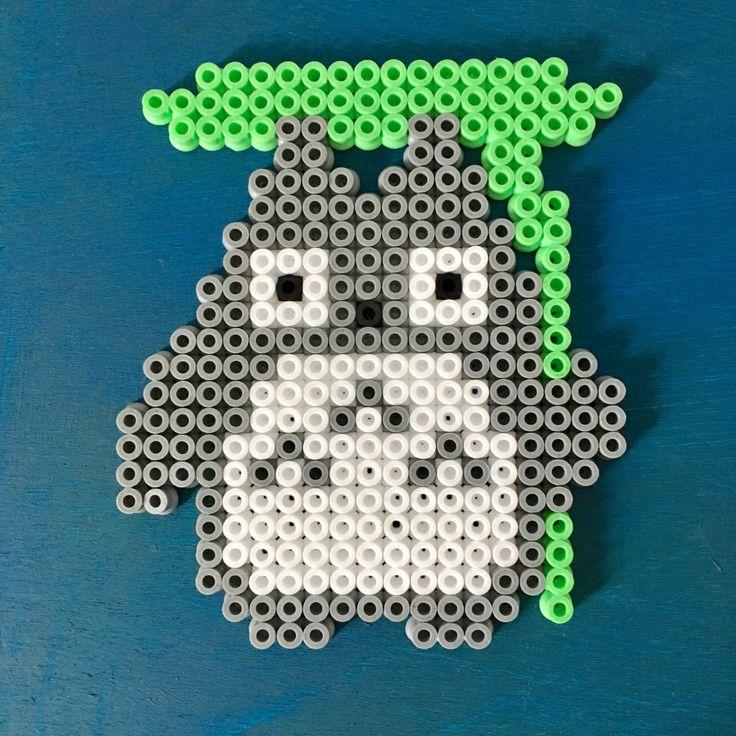 Ein persönlicher Favorit aus meinem Etsy-Shop https://www.etsy.com/de/listing/487953851/totoro-aus-bugelperlen