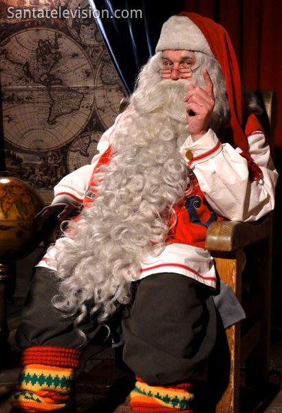 Weihnachtsmann im Büro des Weihnachtsmannes in Rovaniemi in Finnland