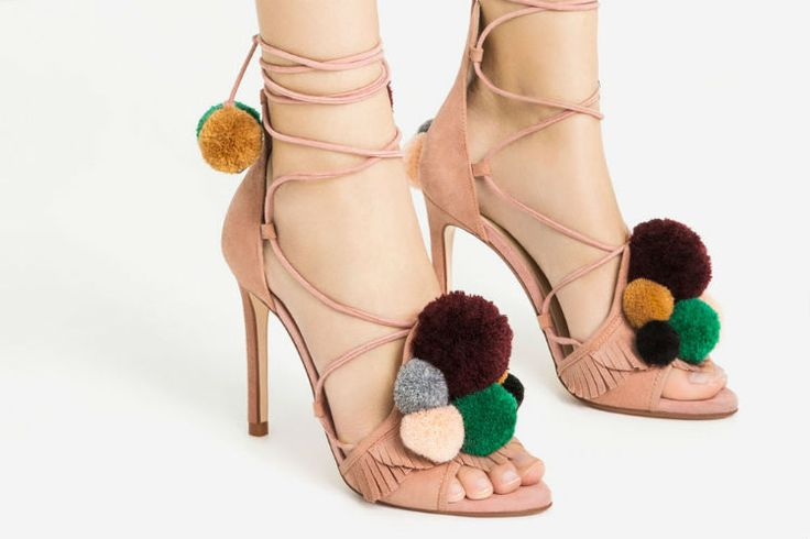 Zapatos de tacón, slippers, slippons o sneakers. No te pierdas el avance de la nueva colección de calzado de ZARA.  #Modalia | http://www.modalia.es/moda/zara/zapatos-zara/11758-zara-avance-coleccion-calzado-otono-2016.html  #zara #calzado #coleccion