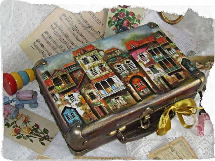"Моя работа - декупаж, чемодан "" Старый город"" 2"
