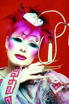 What a unique look of Zandra Rhodes! Colorful, theatriacal, and a little bit scary to me!