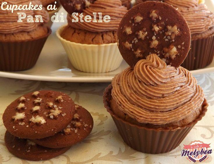 I cupcakes ai Pan di Stelle sono dei dolcetti cremosi e invitanti, dedicati ai celebri biscotti al cacao e nocciole. Perfetti a colazione o a merenda!
