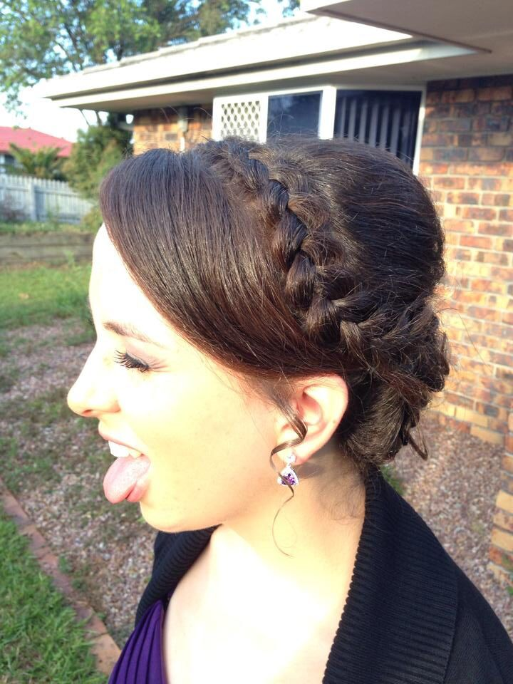 Formal braided upstyle