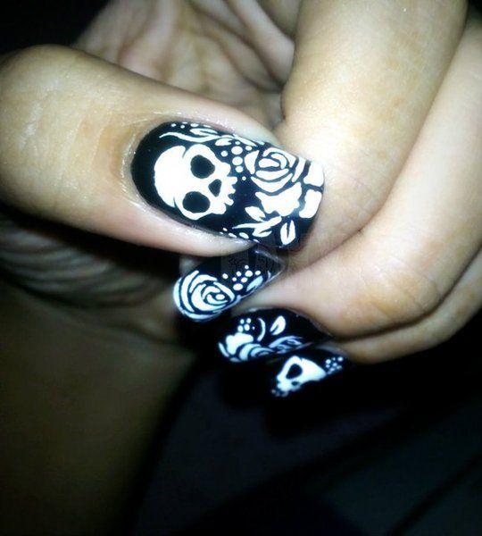 Skulls:  #Skulls nail art.