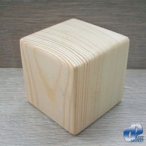 Предлагаем декоративные деревянные кубики ручной работы. Размер одного кубика 5х5 (±2 мм) сантиметра. Изделие изготовлено из древесины сосны, хорошо отшлифовано. Подойдёт как готовый декоративный элемент, а так же возможно дополнительное декорирование и обработка. На любой из сторон, можно написать, наклеить, выжечь, всё что Вам захочется, будь то простые буквы алфавита, или более сложные сюжеты.