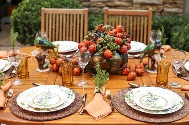 Nem só de flores são feitos os arranjos!! Buriti, jurubeba e blueberrie no centro de mesa!!! 001Arranjo de blueberrie (Foto: Michele Moll/divulgação)