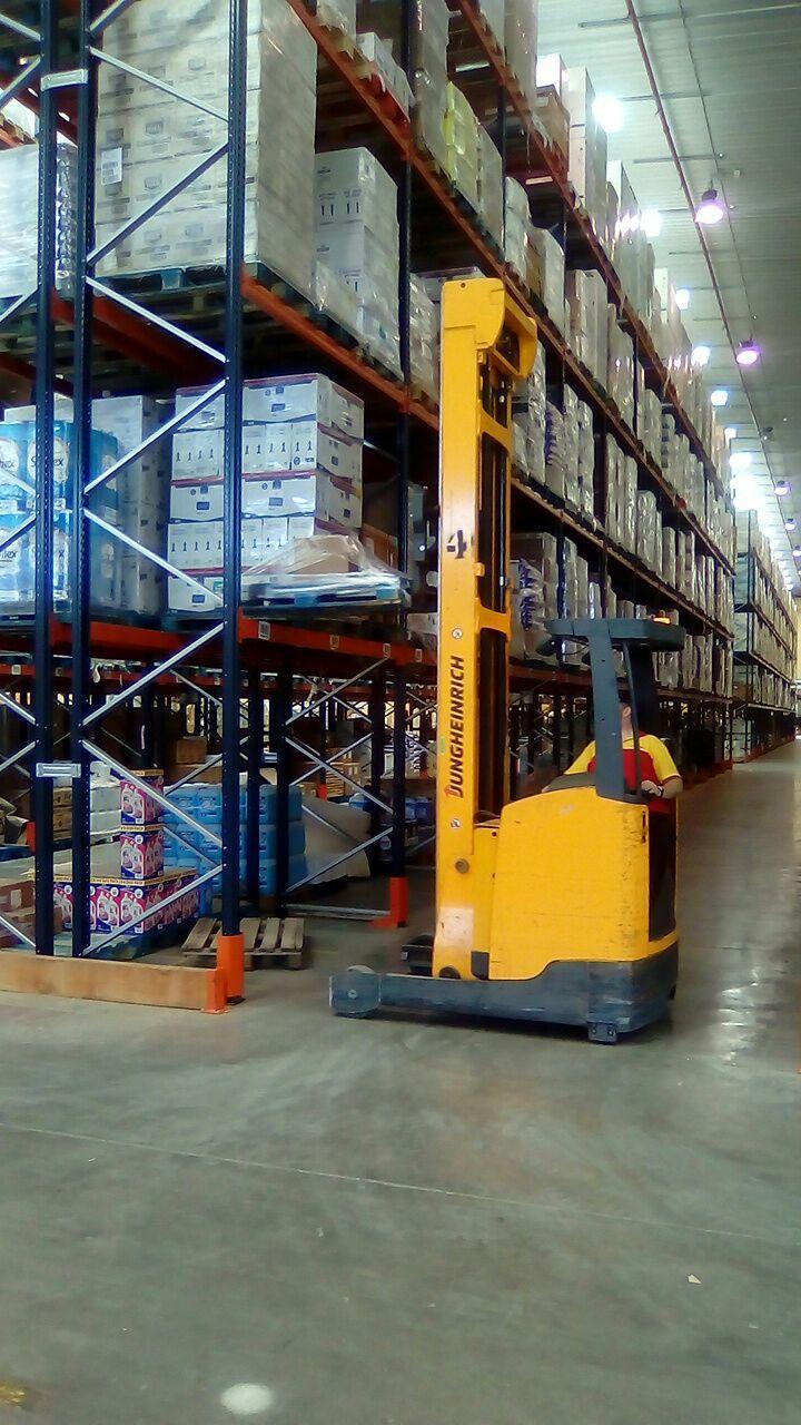 Curso de actualización formativa de carretillas elevadoras para DHL en el centro logístico de MAKRO en Quer (Guadalajara)