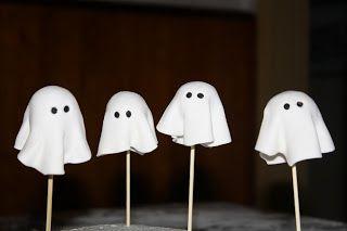 marshmellow + fondant + cute little ghost..!