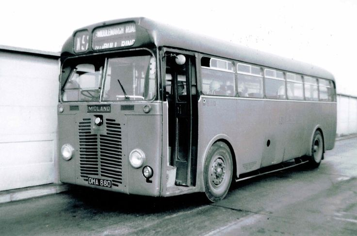 OHA880 was fleet nr. 3880 and type S13 built 1951. A 44 seater. The black roof denoted dual purpose vehicles for services, tours, private hire and longer distance services